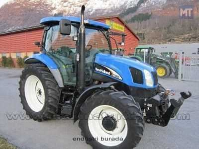 2005_model_new_holland_traktor-2.jpg