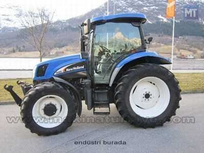 2005_model_new_holland_traktor-3.jpg