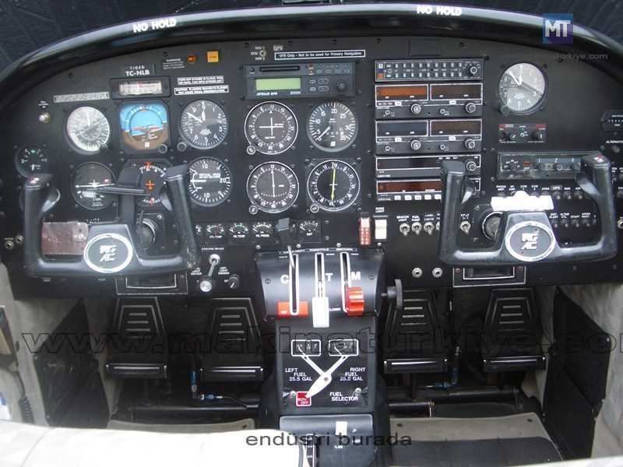 1993_model_tek_motorlu_ucak_american_general_ag5b_tiger-2.jpg