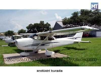 2005 Model Cessna Skyhawk Sp 172s 1
