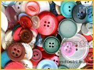 Polyester Düğme