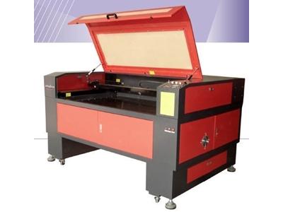 Laser Çizme Kazıma Kesme Makinesi / Jq Laser Jq 1290