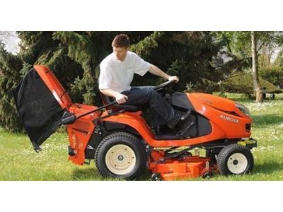 Kubato Dizel Çim Biçme Traktörü