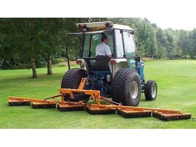 Sisis Flexibrush Traktöre Arkası Çim Fırçası 535 Cm