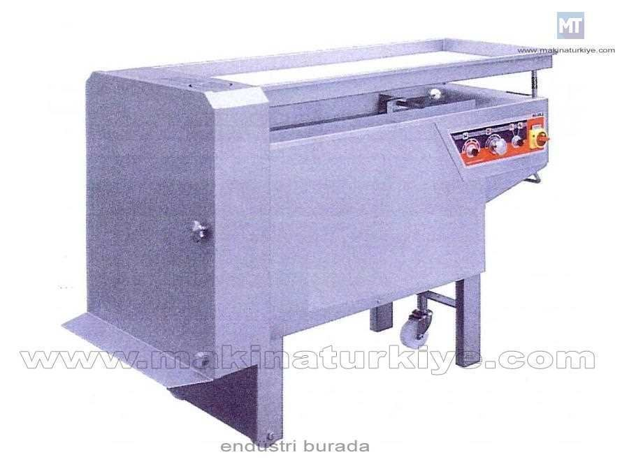 Çok Amaçlı Zar Tipi Et Dilimleme Kesme Makinesi 1.000 Kg/Saat
