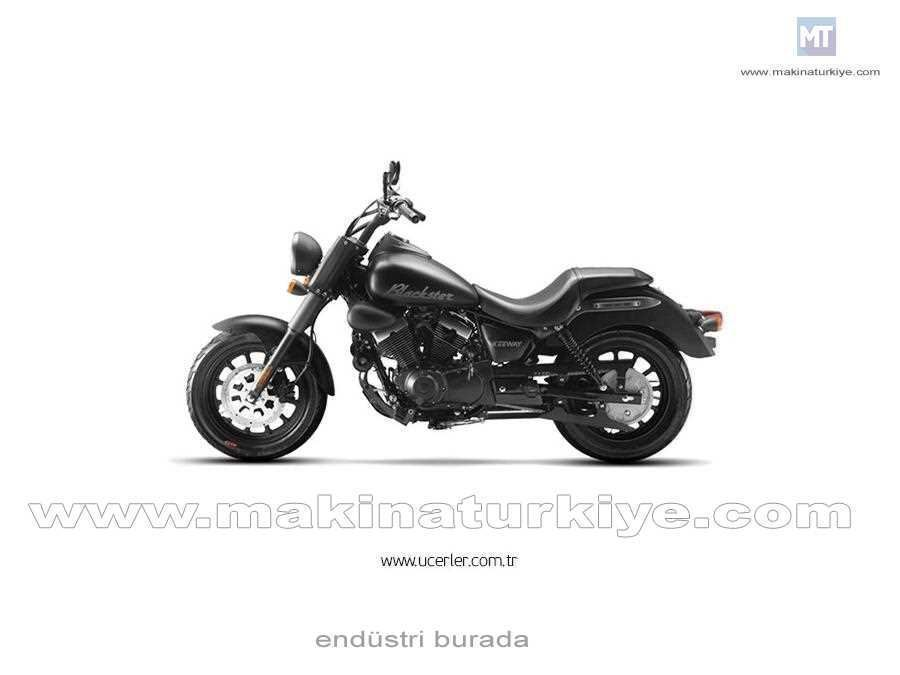 250 cc Chopper Motor RKS Blackster 250 4