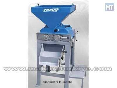 Elektrikli Yem Kırma Makinası 1700/2500 Kg / Saat