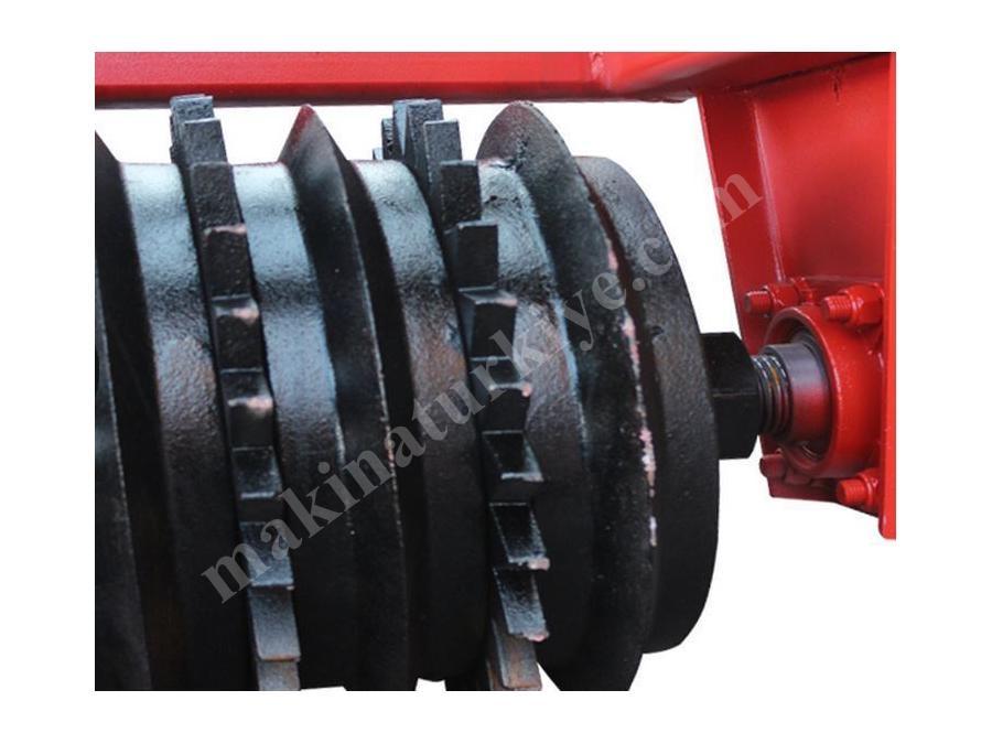 traktor_dokum_merdanesi_550_kg-3.jpg