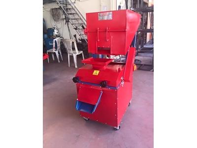 Özsargınlar Yeşil Zeytin Çizme Makinası Kapasite: 2000 kg/ saat