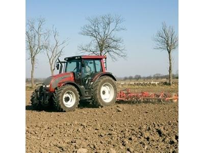 tarla_traktoru_valtra_hitech_n101-3.jpg
