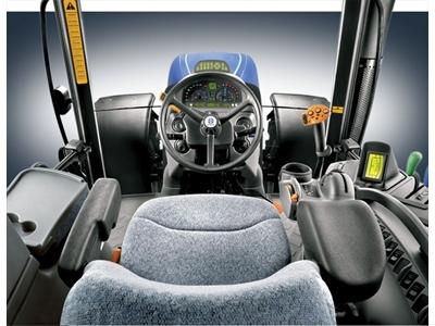 tarla_traktoru_new_holland_t7040_dt_kli_kab_-2.jpg