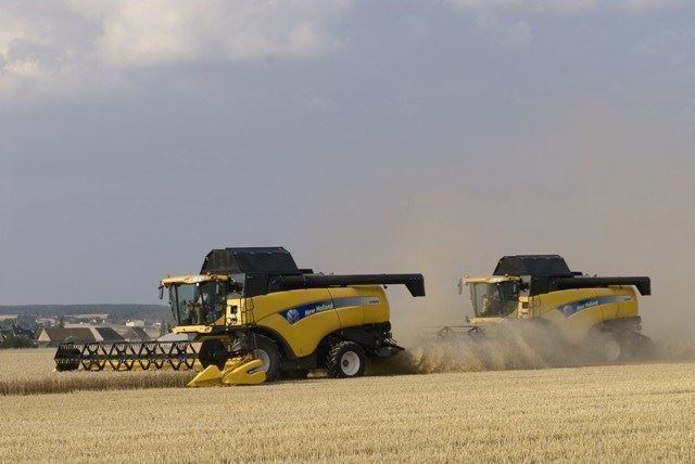 New Holland Biçerdöver ( 326 Hp )