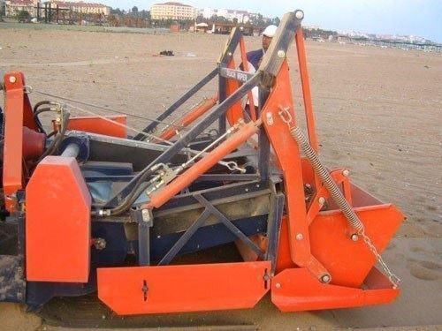traktor_cekicili_kumsal_temizlik_makinasi_durclean_beach_cleaner-3.jpg