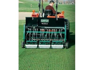 Çim Ara Ekim Makinesi 152 cm (traktöre monteli)