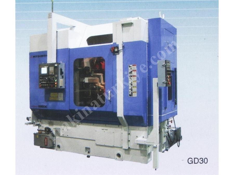 5 Eksenli Cnc Azdırma Tezgahı / Mitsubishi Gd30
