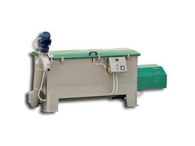 Helezonlu Yem Karma Makinası ( 180 Lt )