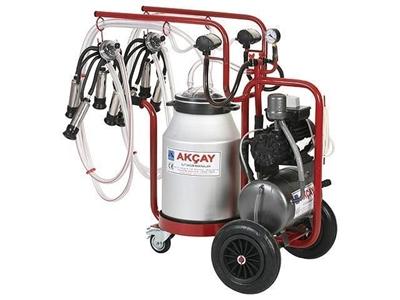 3 Tekerlekli Çiftli Arabalı, Turbo Motor Sistemli Süt Sağım Makinesi / Akçay Ak-Mk-2t/S-414