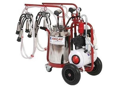 3 Tekerlekli Çiftli Arabalı, Yağlı Motor Sistemli Süt Sağım Makinesi / Akçay Ak-Mk-2y/S-409