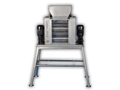 Kuruyemiş Kıyma Makinesi ( 500-700kg/Saat )